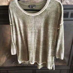 XL Tribal distressed green sweater